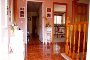 G13288-entrada-casa-recibidor-chalet-valencia