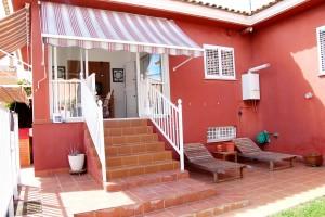 G13288-jardin-terraza-cocina-chalet-valencia