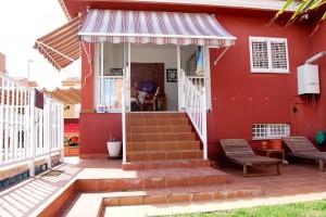 G13288-piscina-terraza-cocina-chalet-valencia