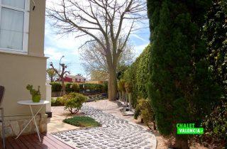 G13336-jardin-piedras-chalet-valencia