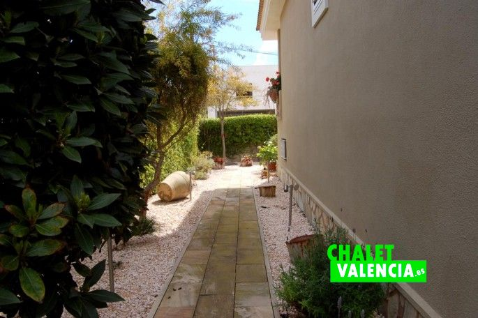G13336-lateral-parcela-chalet-valencia