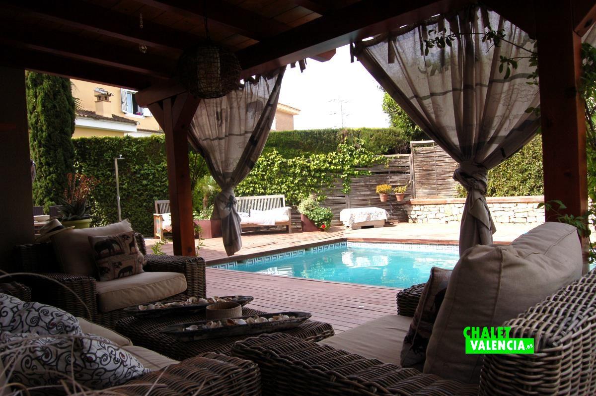 Villa chillout style in pla paella l 39 eliana chalet valencia - Terraza chill out ...