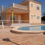 Nearly new detached villa in La Pobla Vallbona