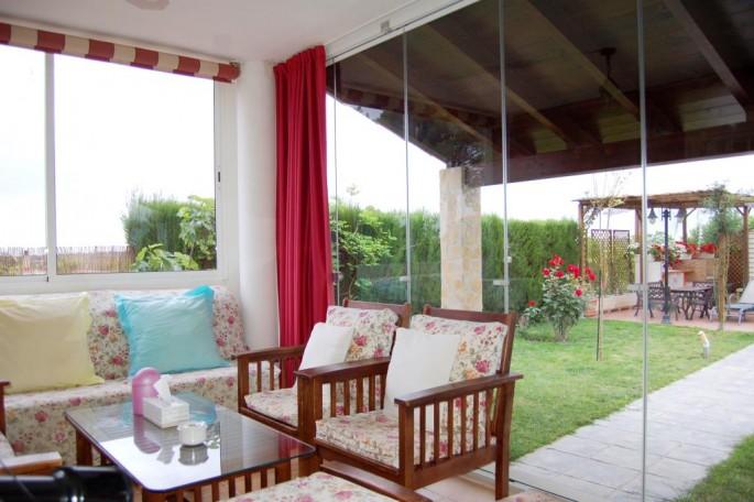 G13634-terraza-acristalada-pobla-vallbona-chalet-valencia