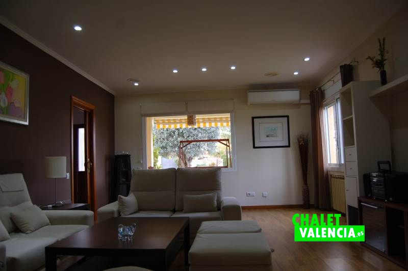 Gran salón comedor chalet Colinas Valencia
