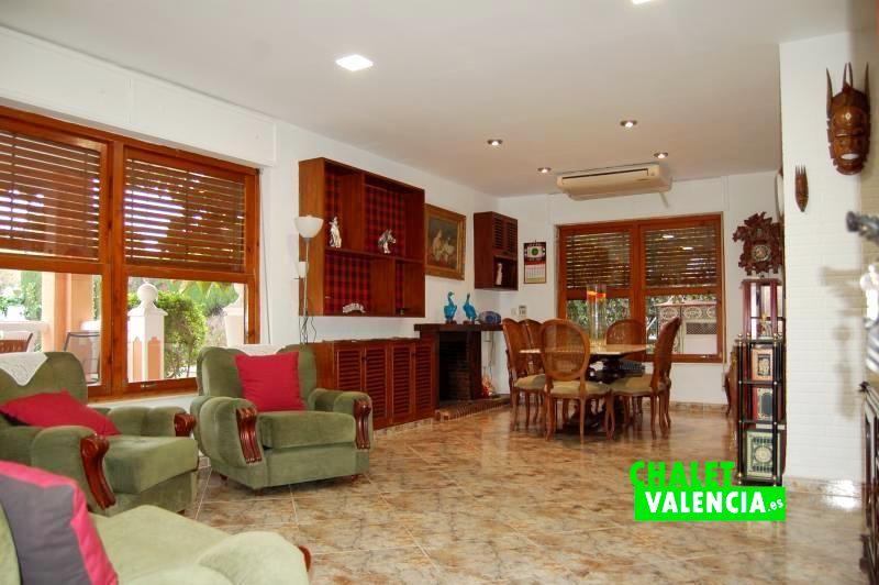 G13106-salon-comedor-3-chalet-valencia