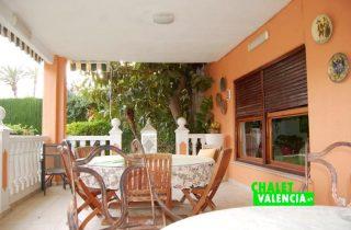 G13106-terraza-grande-chalet-valencia