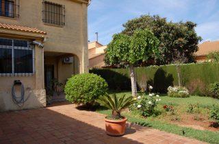 G14079-jardin-norte-cocina-chalet-valencia