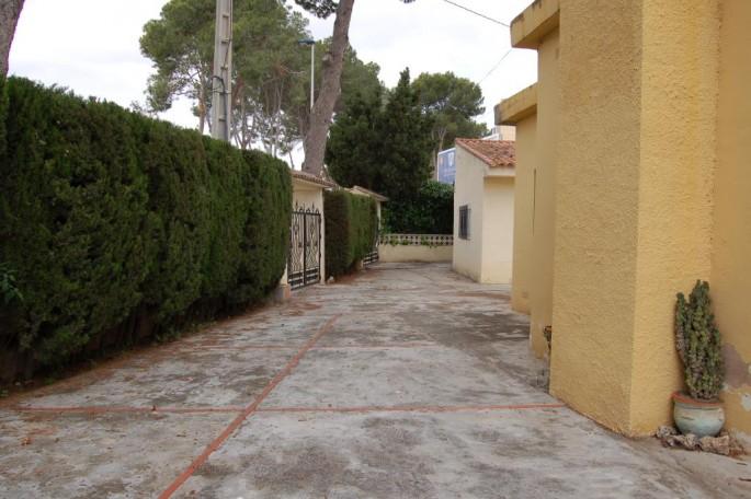 G14127-exterior-lateral-casa-chalet-valencia