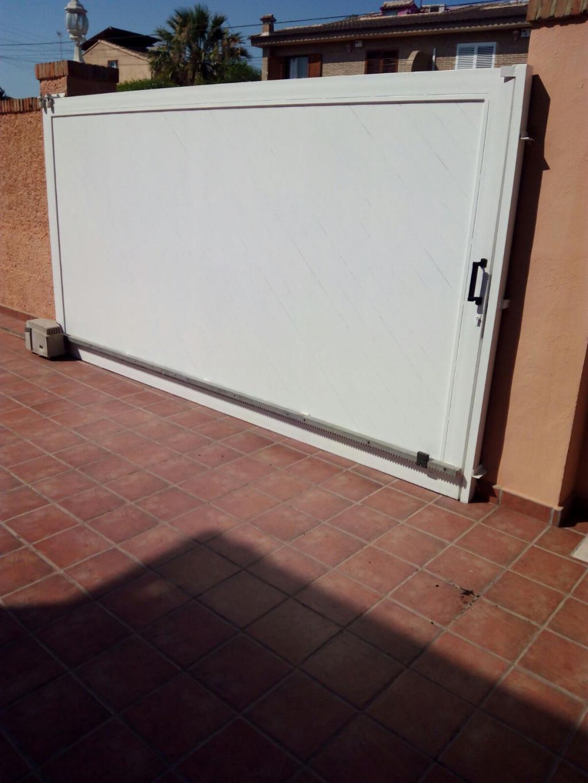 Puerta de garaje segunda mano awesome configurar para mini mando universal puerta garaje - Puertas de entrada de segunda mano ...