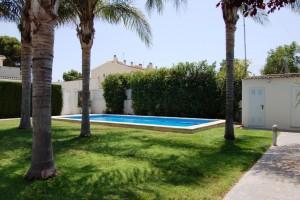 15155-piscina-bano-exterior-chalet-valencia
