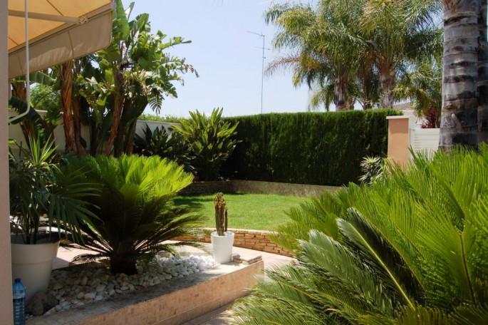 15155-terraza-lateral-chalet-valencia