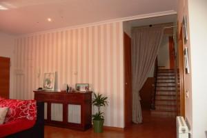 G14537-salon-comedor-escaleras-chalet-valencia