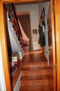 G14537-sotano-escaleras-chalet-valencia