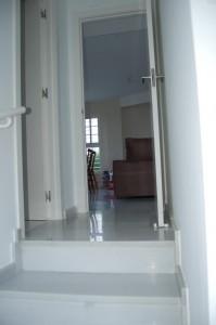 G14629-escaleras-bajada-sotano-chalet-valencia