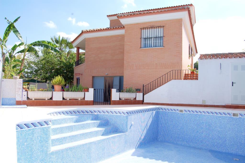 Chalet con piscina a 22 km de valencia chalet valencia - Chalet con piscina ...