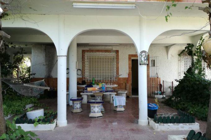 G14754-exterior-terraza-entrada-chalet-valencia