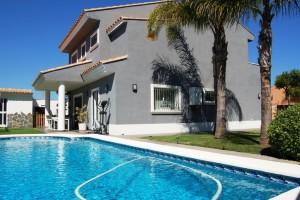 Chalet con piscina Montesano