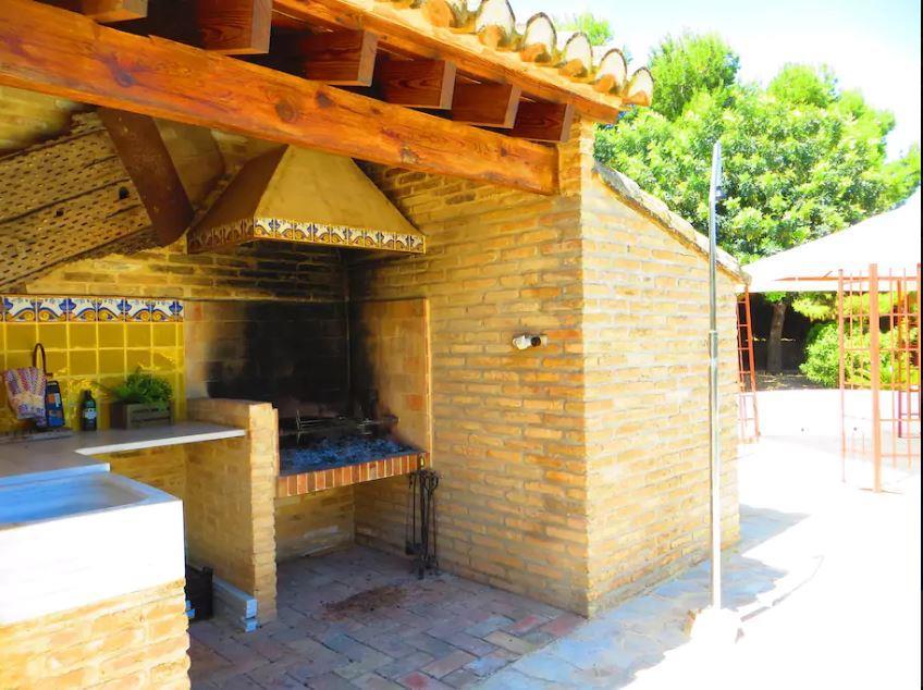 Espectacular chalet para alquiler vacacional chalet valencia - Barbacoa paellero ...