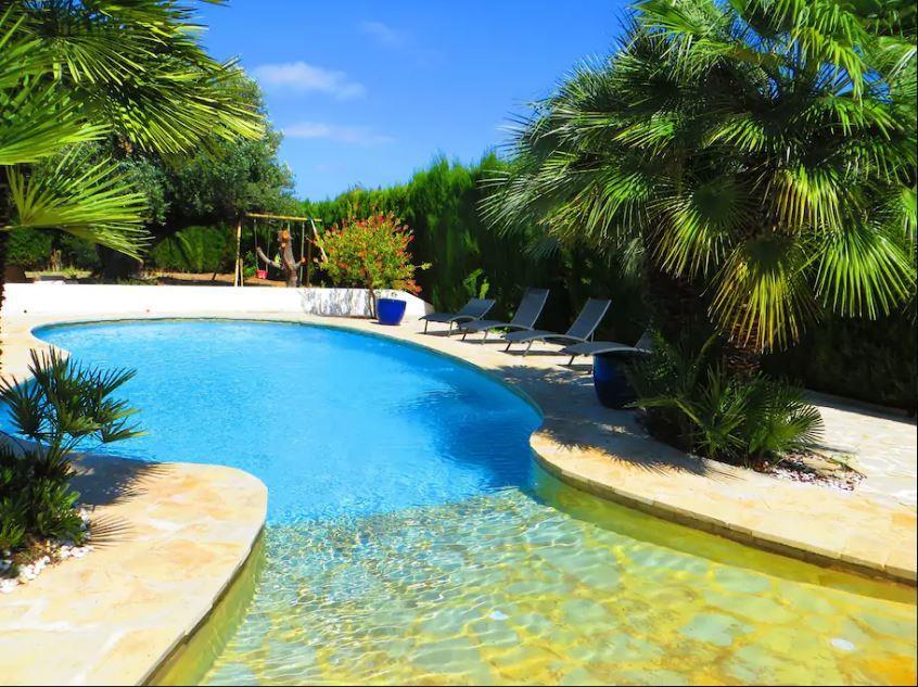 Spectacular villa for holiday rental next to valencia for Piscine valencia