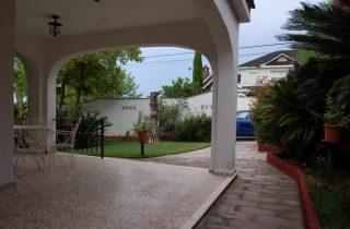 G14984-entrada-vista-desde-terraza-chalet-valencia