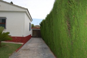 G14984-lateral-jardin-chalet-valencia