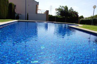 15321-piscina-comunitaria-4-chalet-valencia