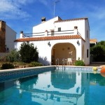 Chalet independiente con piscina en Montesol