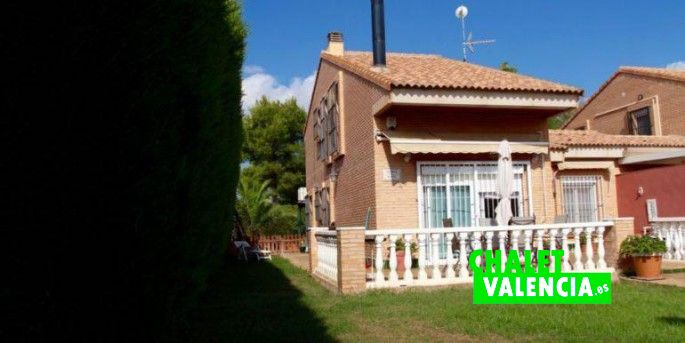 15594-entrada-chalet-valencia