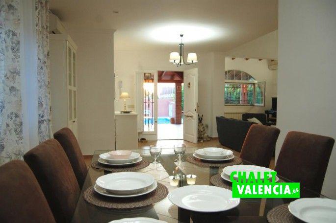 Comedor, recibidor y salón