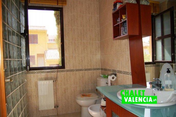 Baño suite Chalet Valencia