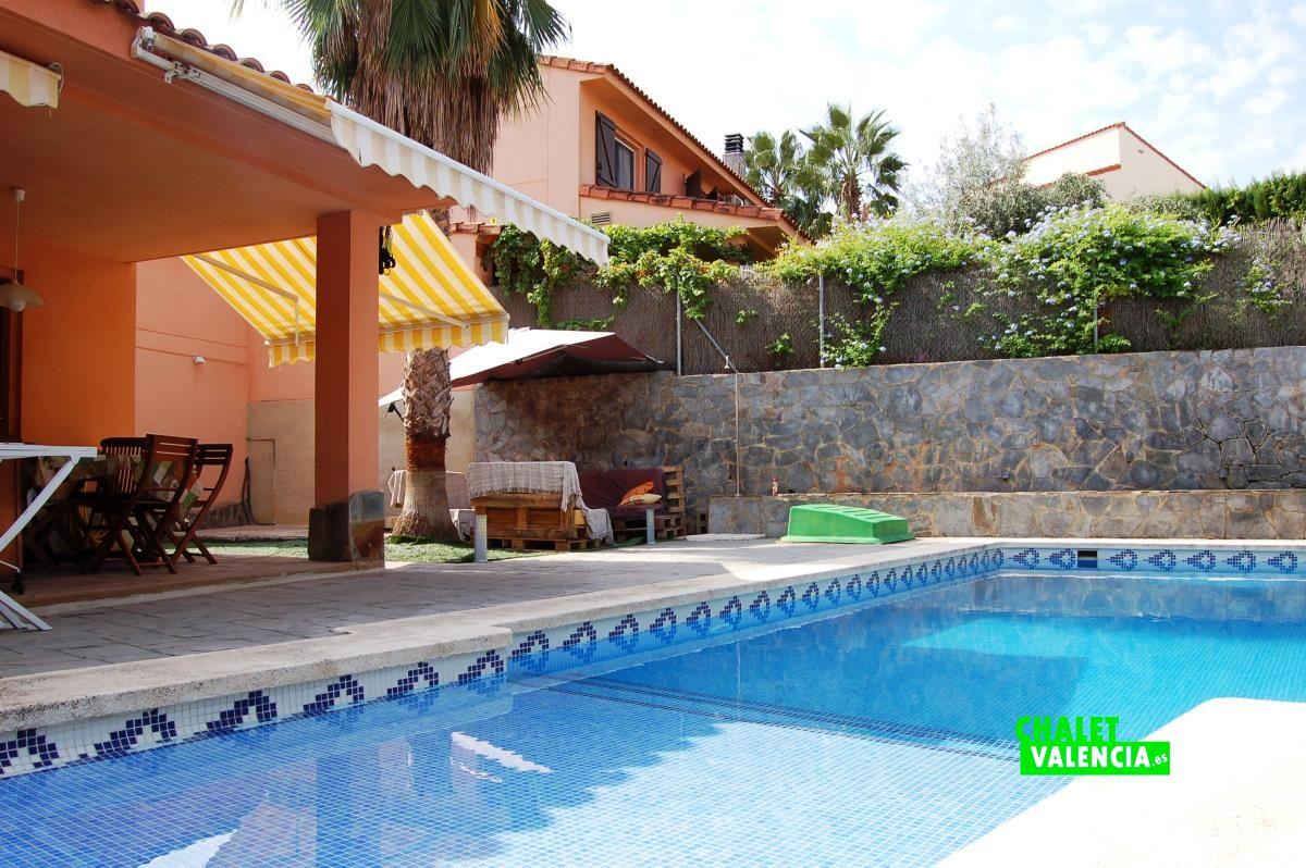Chalet con piscina con playa en masia traver chalet valencia - Coste mantenimiento piscina ...