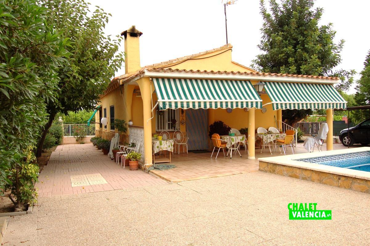 Chalet barato con piscina a 3km de la eliana chalet valencia - Chalet con piscina ...