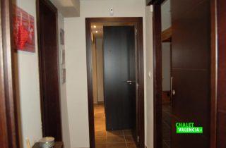 16362-pasillo-habitaciones-chalet-valencia