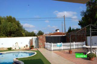 16362-terraza-vistas-piscina-chalet-valencia