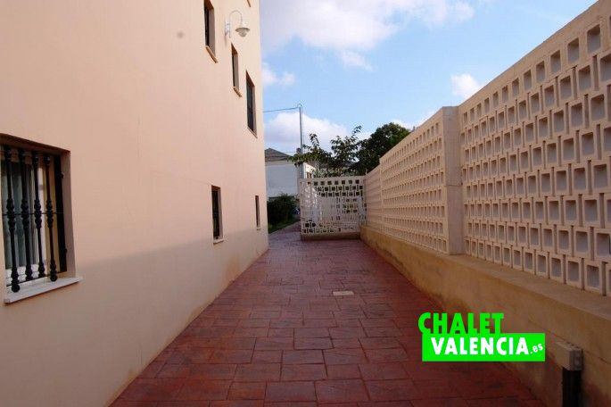 Lateral del chalet