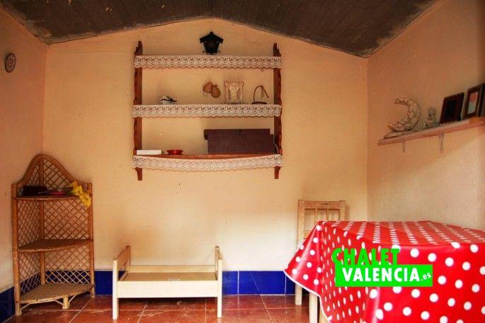 17182-exterior-casita-munecas-chalet-valencia