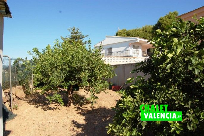 17184-jardin-piscina-chalet-valencia