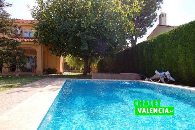 Bonita piscina chalet Colinas