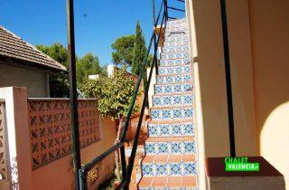 17680-exterior-escaleras-chalet-valencia