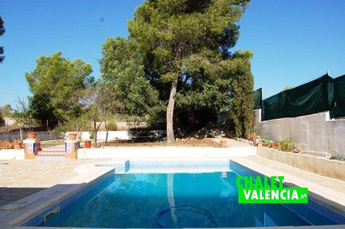 Piscina chalet con vistas La Vallesa