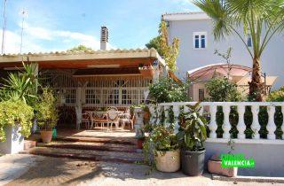 17716-entrada-terraza-chalet-valencia