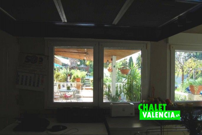 Vista terraza desde cocina