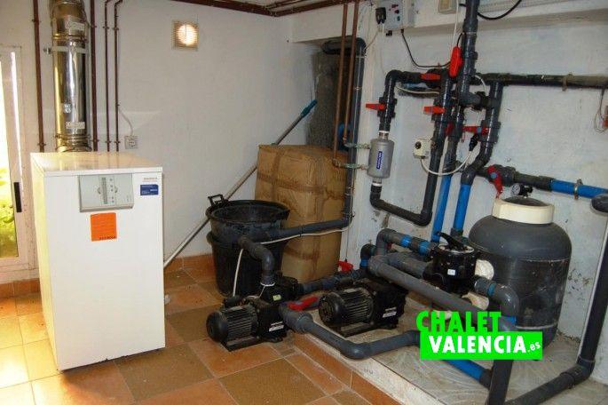 Sistema para calentar agua piscina Chalet Valencia