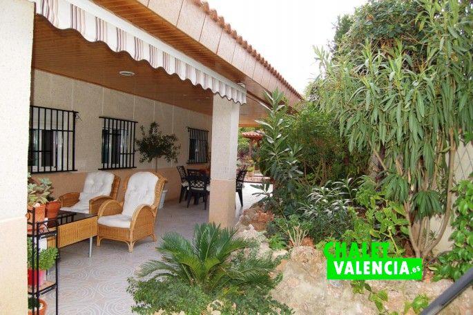 18414-terraza-entrada-chiva-chalet-valencia