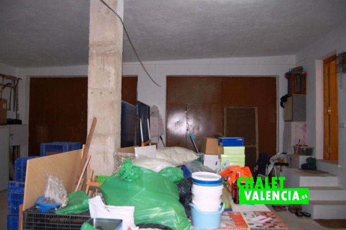 Garaje con acceso desde salón comedor