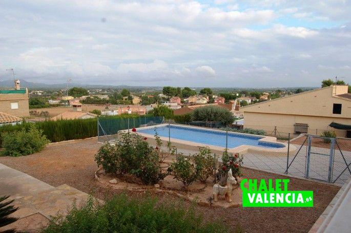 18658-vistas-piscina-chalet-la-pobla-valencia