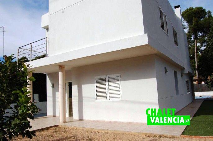 Fachada chalet moderno La Vallesa