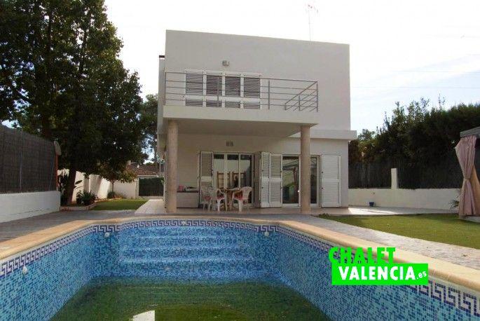 18886-exterior-piscina-3-vallesa-chalet-valencia