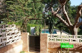 18971-jardines-puerta-acceso-canyada-chalet-valencia